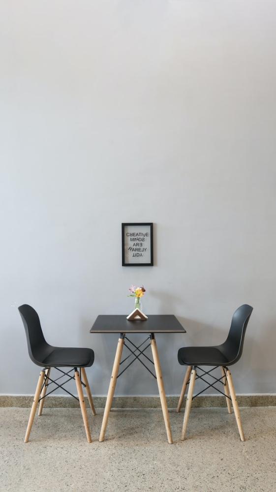 Jak odnowić drewniane krzesła?
